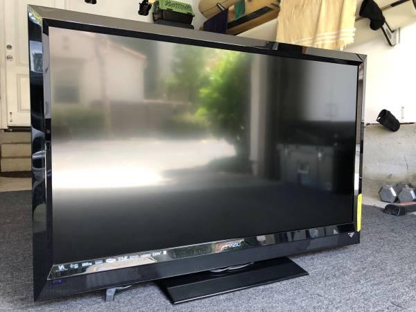 Photo 47 VIZIO Smart TV - $150 (Camarillo)