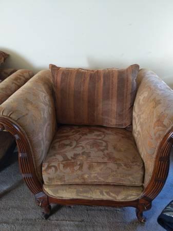 Photo 4 piece living room set - $300 (Camarillo, CA)