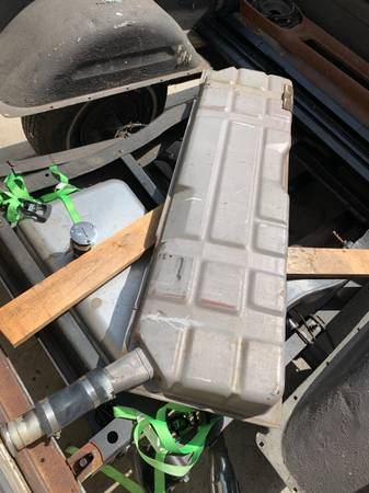 Photo 60-66 chevy c10 gas tank - $100 (Oxnard)