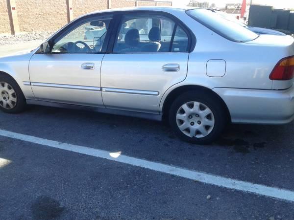 Photo 99 Honda Civic - $500 (Santa Paula)