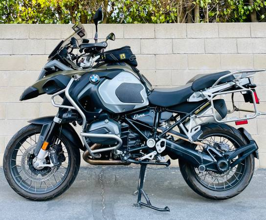 Photo BMW R 1200 gs - $10,000 (Simi Valley)