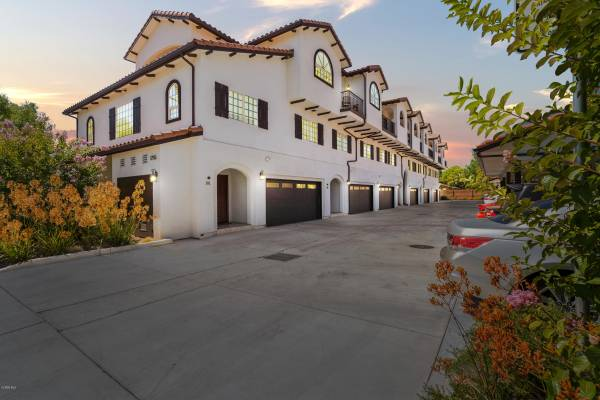 Photo Beautiful Home For Sale 1755 Heywood Street Unit 102, Simi Valley (Simi Valley)