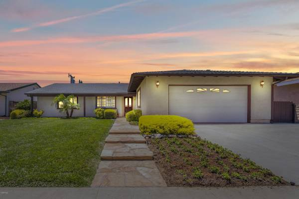 Photo Beautiful Home For Sale 3278 Grafton Street, Simi Valley (Simi Valley)