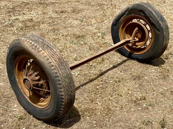 Photo Ford Model T Front Axle  16 inch Wire Wheels - $25 (Ojai)