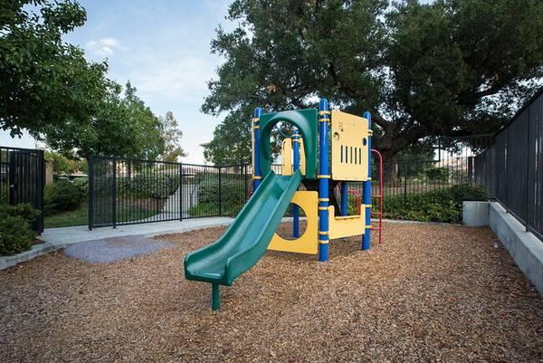 Photo Happy People, Happy Living (5065 Hidden Park Court Simi Valley, CA)
