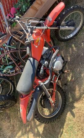 Photo Honda Xr80 clean title and Reg 2022 enduro dirt bike starts first kick - $1,400 (Ventura)