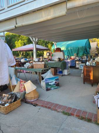Photo Huge moving Estate sale, new things daily FRI Sat Jun 25th-26th (simi valley)