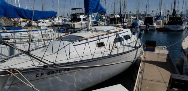 Photo Islander 28 sailboat - $11,000 (Oxnard, CA)