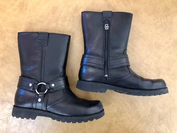 Photo Kids Uggs Australia Chandler Boot 1001503 Black Leather Size 3 - $50 (Thousand Oaks)