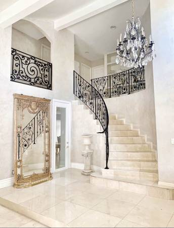 Photo LARGE ROOM WALKING DISTANCE TO AMGEN IN BEAUTIFUL HOME (Newbury ParkThousand Oaks)