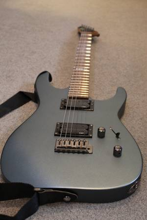 Photo LTD M-50 Electric Guitar with Case and Stand - $150 (Ventura)