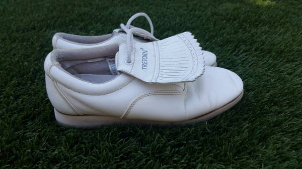 Photo Leather Golf Shoes Womens or Girls - $10 (Moorpark)