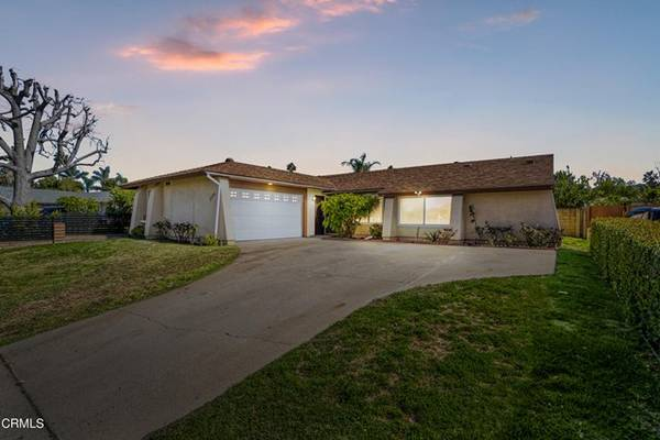 Photo Look At This Home 2736 Royal Avenue, Simi Valley (Simi Valley)