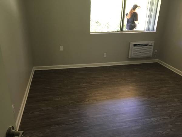 Photo Looking for Mature female To Share Newly Renovated Apartment (Thousand Oaks)