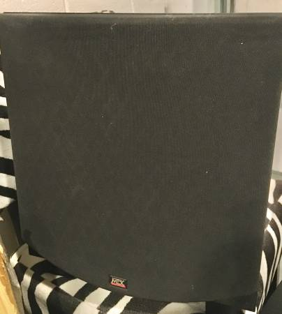Photo MTX AUDIO SUBWOOFER BOX CUBE SW1212 LIKE NEW - $80 (Malibu)