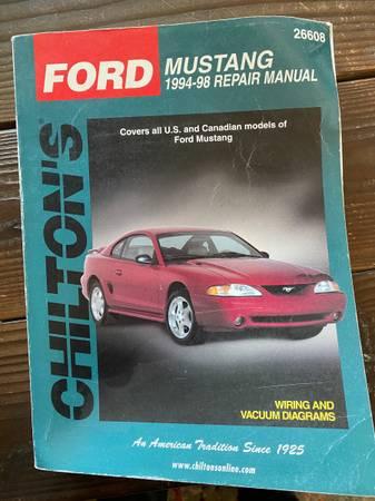 Photo Mustang Repair Manual 94-98 - $10 (Camarillo)