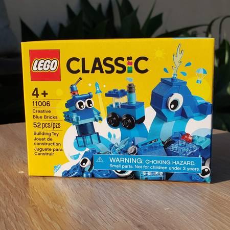 Photo NEW LEGO Classic Creative Building Kit Toy Set whale, train robot - $12 (Ventura)