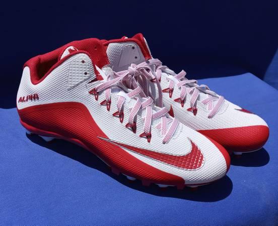 Photo NEW Nike Alpha-Zoom-Zoom Red  White Football Cleats - $50 (Oxnard)