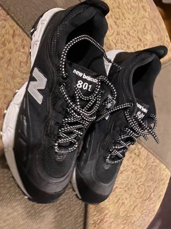 Photo New Balance Shoes Mens 9.5 - $40 (Camarillo)