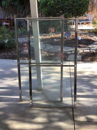 Photo Pair of shower doors - $35 (Simi Valley)