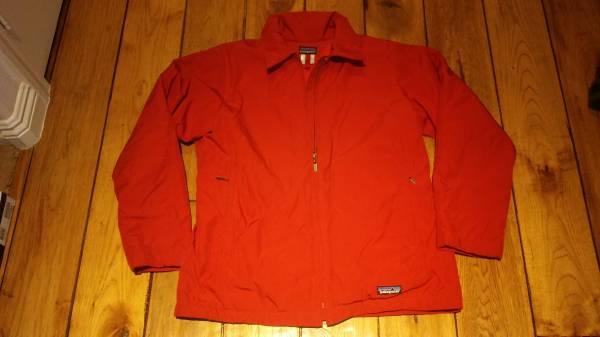 Photo Patagonia Women Red Jacket Fleece Lined_Women Large L - $50 (Oxnard)