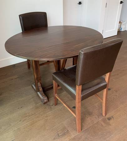 Photo Pier 1 Dining Table and 2 Chairs - $125 (thousands oaks)