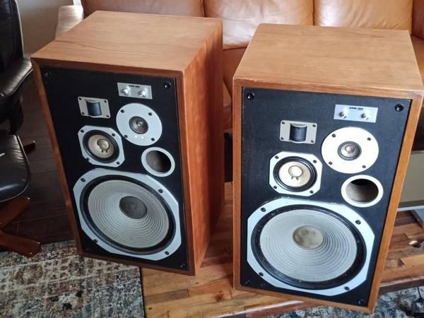 Photo Pioneer HPM-100 Speakers 200w Version - $400 (Ventura)