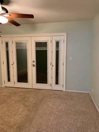Photo Private Studio Guest House Granny Flat Fenced yard (Simi Valley)