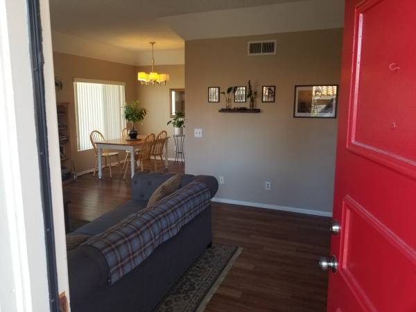 Photo ROOM WITH PRIVATE BATH FOR RENT (Thousand oaks)