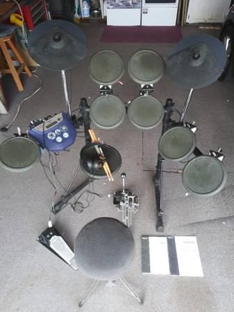 Photo Roland TD-6 Drum Set - $350 (Camarillo)