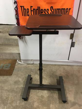 Photo Stand up Desk  TV Tray Lecture Stand - $75 (OXNARD)