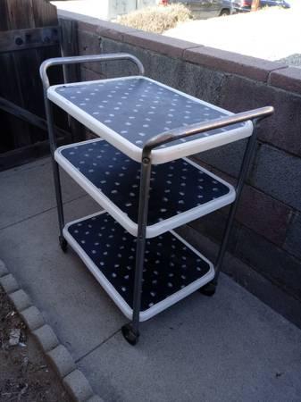 Photo Vintage costco mcm metal rolling cart - $30 (Camarillo)