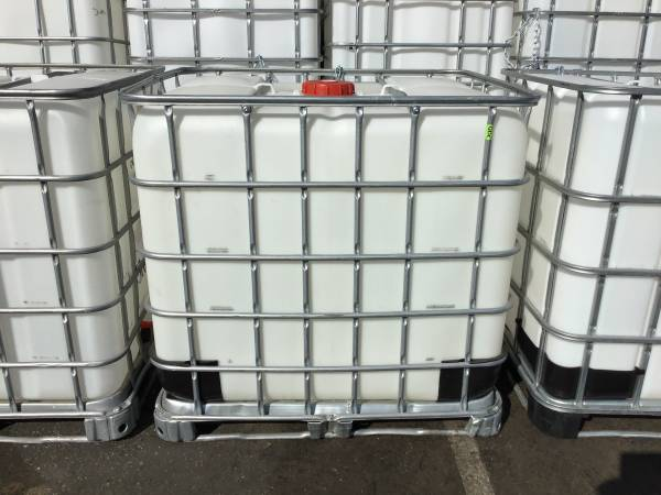 Photo Water Tank - 275 Gallon IBC - $75 (oak view)