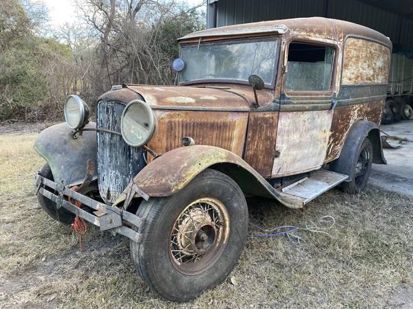 Photo 1932 Ford Panel Truck - $15,775 (Victoria)
