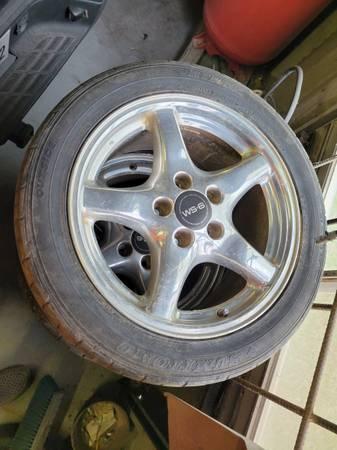 Photo 2001 Trans Am WS6 wheels - $800 (VICTORIA)