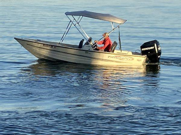 Photo 2002 Triumph Boat 170DC, 2006 Mercury 75hp motor  Trailer - $7,999 (katy)