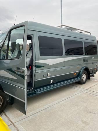 Photo 2005 airstream interstate 22 Mercedes diesel like new garage kept - $49,000 (Houston)