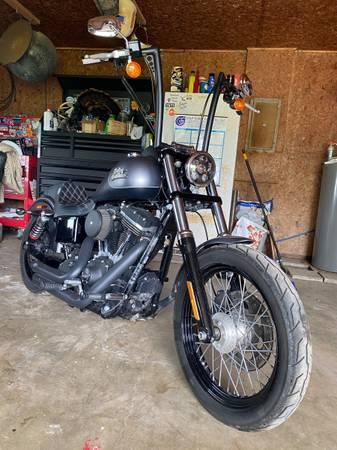 Photo 2017 Harley-Davidson Dyna Street Bob - $14,000 (Yoakum, TX)