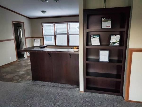 Photo 32 USED MANUFACTURED HOME IS LOOKING FOR A NEW FAMILY (Hallettsville, Texas)