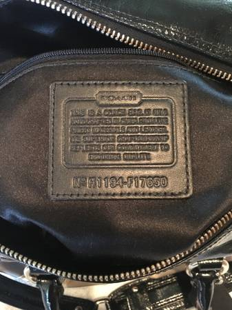 Photo Black and Gold Coach Bag - $45 (Montgomery, TX.)
