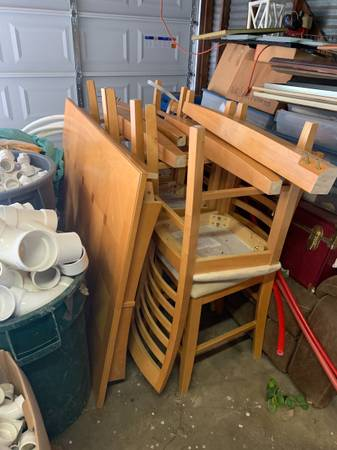 Photo Counter Height Dining table 8 chairs - $250 (Victoria)
