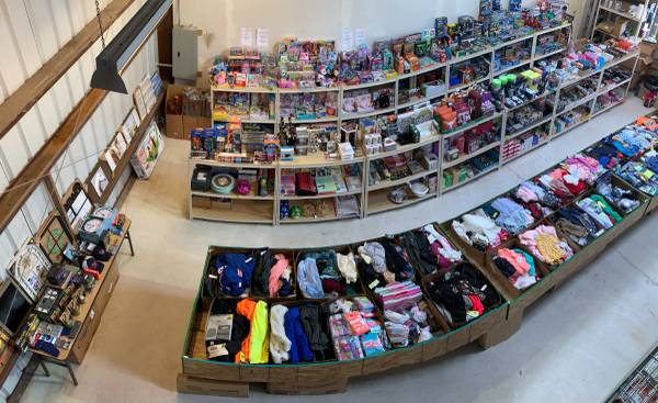 Photo HUGE WAREHOUSE GARAGE SALE WITH OVER 5,000 BRAND NEW ITEMS APRIL 34 (Pflugerville)