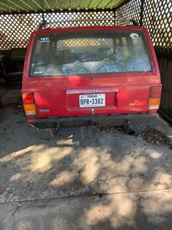 Photo Jeep xj - $1000 (Edna)