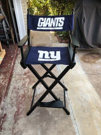 Photo NFL - New York Giants directors chair and banner - $60 (VICTORIA)