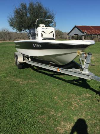 Photo One Owner 2010 Bay Stealth 21 - $12000