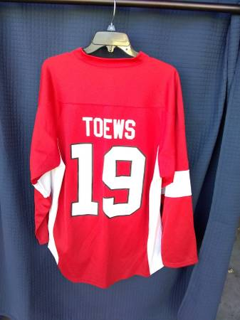 Photo Size Large Jonathan Toews 19 Chicago Blackhawks NHL Jersey - $40 (Parmer and Metric)
