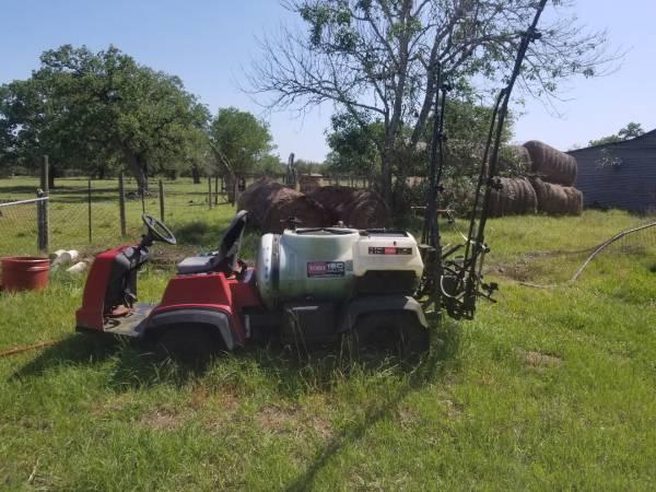 Photo Toro Mulri Pro 1200  1250 150 gallon Sprayer - $3,500 (Goliad)