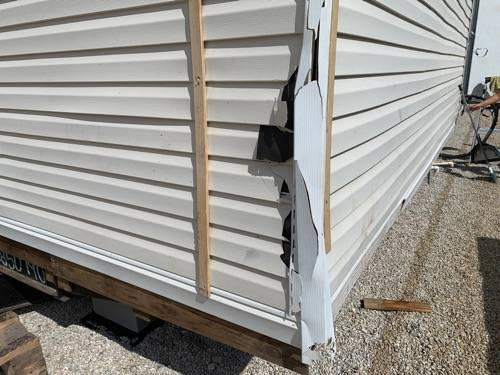 Photo USED 32 MANUFACTURED TRAILER HOME IS LOOKING FOR A NEW OWNER  (New Braunfels, Texas)
