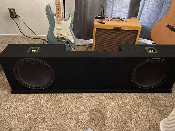 Photo 12 subwoofers MTX Audio with box - $450 (Visalia)