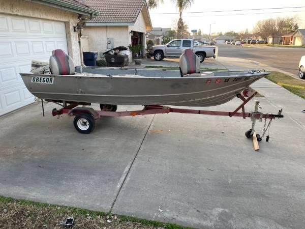 Photo 1970 Gregor aluminum fishing boat - $2,000 (Tulare)